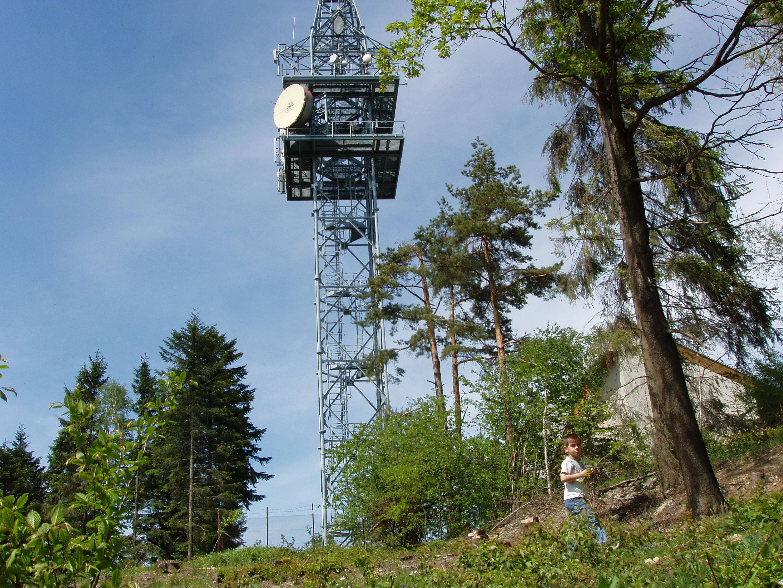 87c64201b9f Vysilač na kopci Ploštiny - obrázek v originálním formátu ...